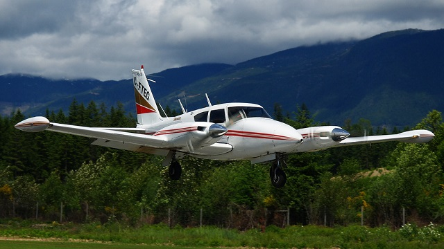 Piper PA-30 Twin Comanche